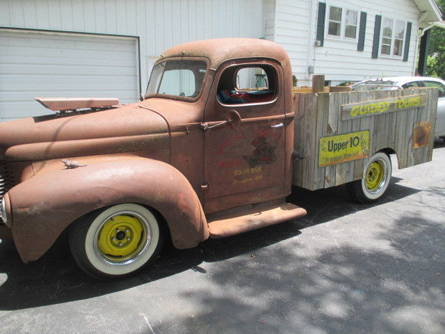 1948 International Harvester TRUCK