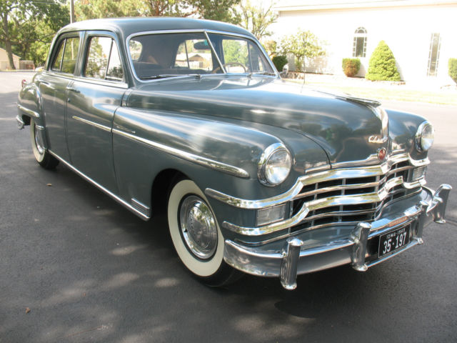 1949 Chrysler WINDSOR  4 DOOR