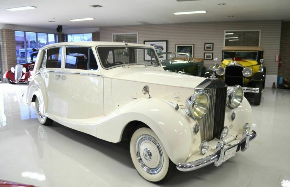 1951 Rolls-Royce Silver Wraith Hooper Touring Limousine