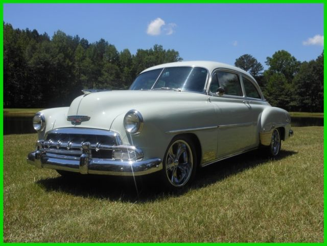 1952 Chevrolet Deluxe Styleline Coupe
