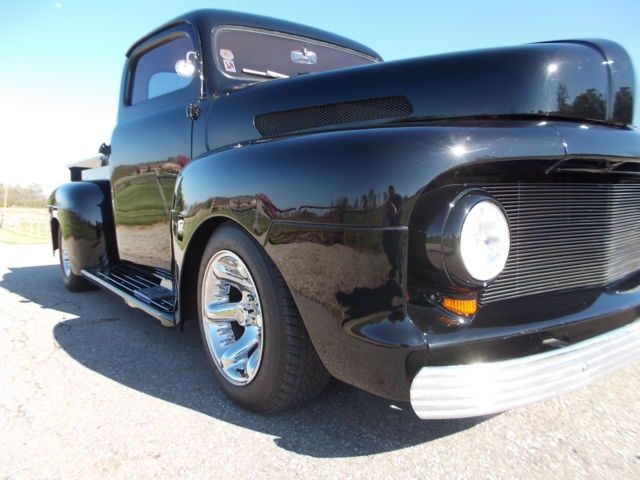 1952 Ford F-100 SHORTBED