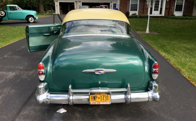 1953 Woodland Green/Sun Gold Chevrolet Bel Air/150/210 2 Door Hard Top Hardtop with Green interior