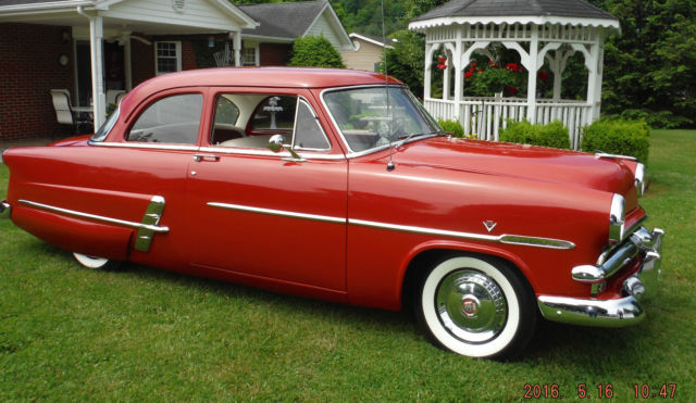 1953 Ford Crestline 50th Anniversary Edition