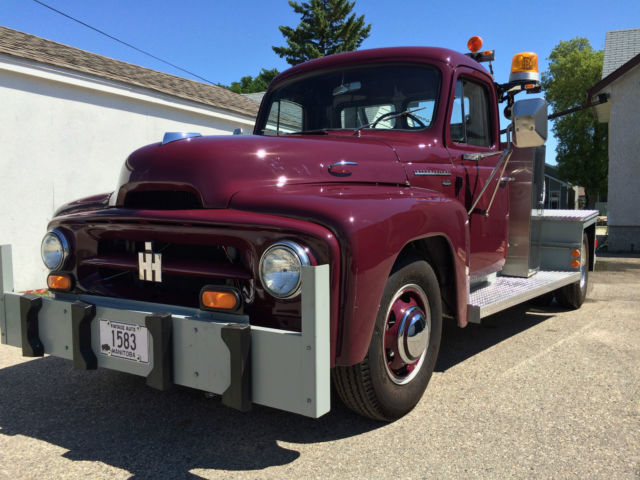 1953 ih series r120 3 4 ton tow truck fully restored silver 1958 International Pickup Truck 1953 ih series r120 3 4 ton tow truck fully restored silver diamond six