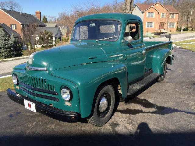 1953 International Harvester L-110