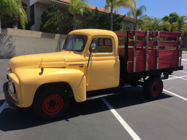 1953 International Harvester R120