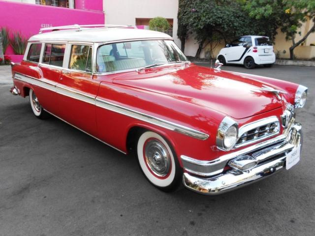 1955 Chrysler New Yorker Town & Country Deluxe Wagon