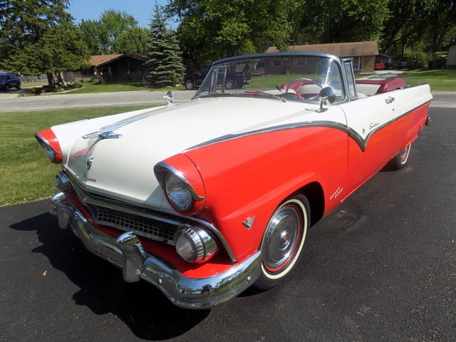1955 Ford Fairlane Sunliner convertible
