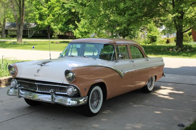 1955 Ford Fairlane Fordomatic