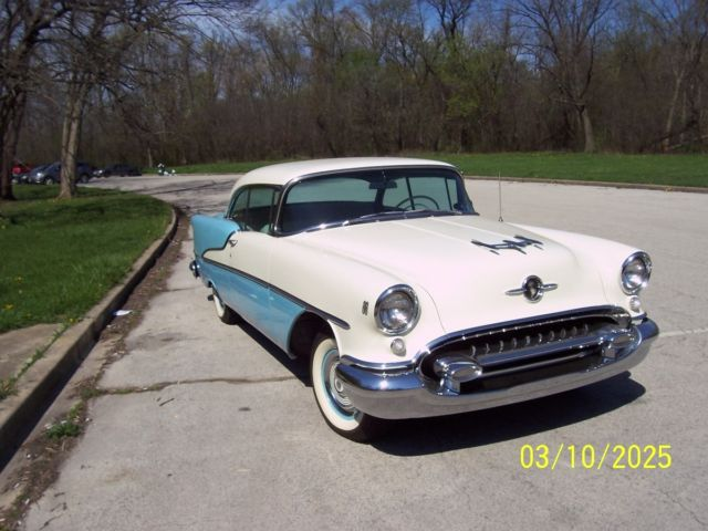 1955 Oldsmobile Eighty-Eight 88 HOLIDAY