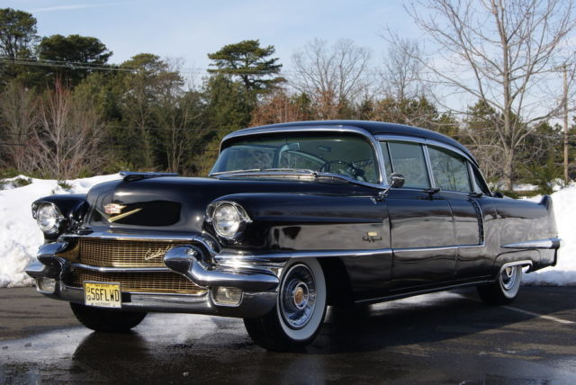 1956 Cadillac Series 60 Fleetwood Special Black/White leather ...