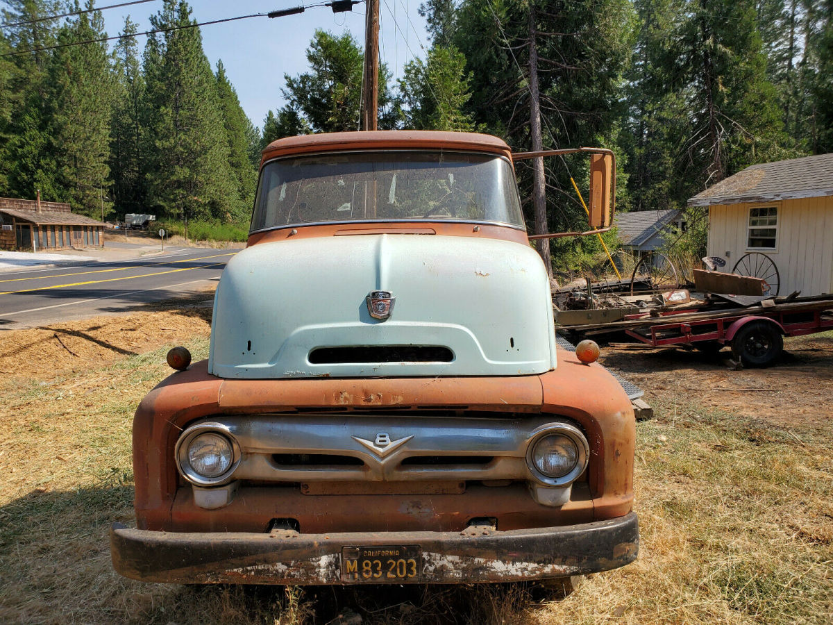 1956 Ford C600