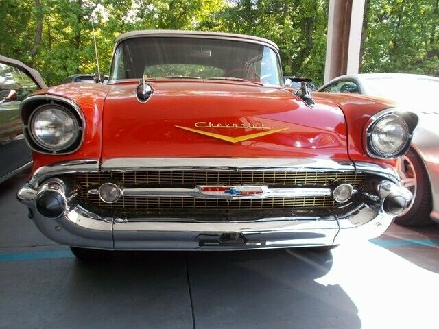 1957 -- Chevrolet Bel Air/150/210 -- with -- interior
