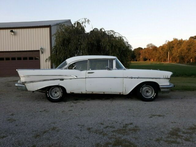 1957 Chevrolet Bel Air/150/210 2 Door Hardtop Sport Coupe