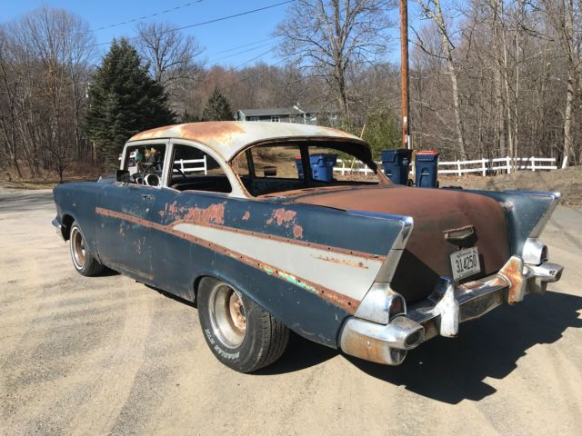 1957 Chevrolet Bel Air/150/210 Belair 2 DOOR POST v8 RUNS GOOD STICK SHIFT