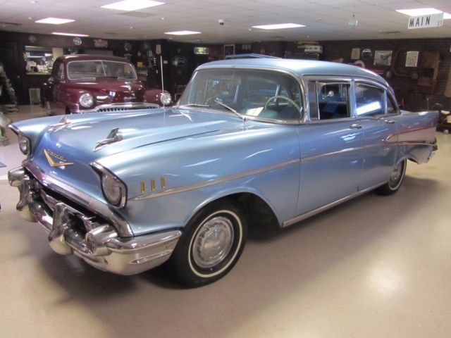 1957 Chevrolet Bel Air/150/210 4 Door Post