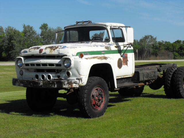 1957 Ford F800 Big Job