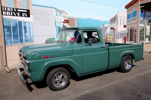 1957 Ford F-100 Short-Bed