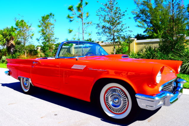 1957 Ford Thunderbird 312 / 245 HP V8 Port Hole Hard Top Convertible