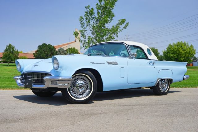 1957 Ford Thunderbird --