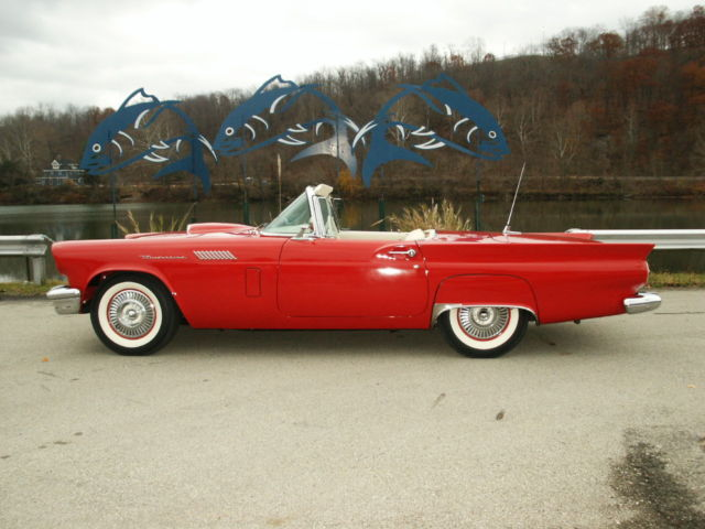 1957 Ford Thunderbird TWO DOOR HARDTOP CONVERTIBLE