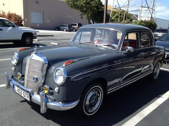 1957 Mercedes-Benz 220S 4 door