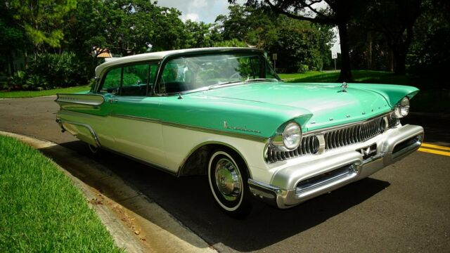 1957 TURQUOISE AND WHITE Mercury MONTCLAIR TWO DOOR HARD TOP TWO DOOR HARD TOP with BLUE AND GREY interior