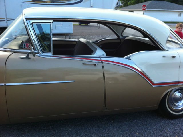 1957 Oldsmobile Eighty-Eight Super 88 4 door hard top, Holiday sedan