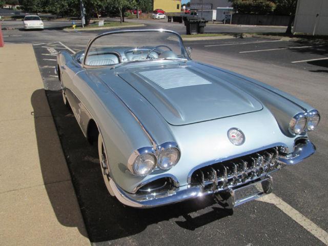 1958 CORVETTE BEAUTIFUL SILVER BLUE  350 CI 4-SPEED MANUAL