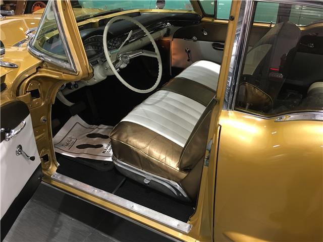 1958 Oldsmobile Super 88 Sedan, Egyptian Gold on Bronze for