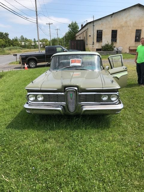 1959 Edsel sedan in line 6 sedan