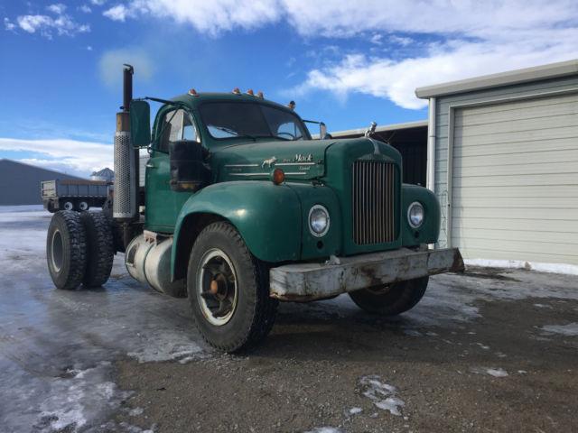 1960 b model mack diesel truck semi tractor for sale photos technical specifications description. Black Bedroom Furniture Sets. Home Design Ideas