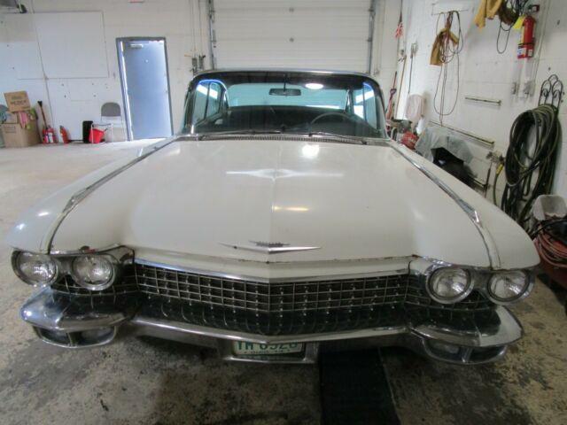 1960 Cadillac Fleetwood 4-door - Leather + Cloth Interior