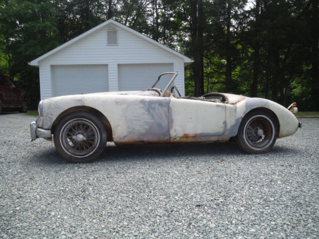 1960 MG MGA - Roadster with Hardtop ! Very Solid 1 Owner