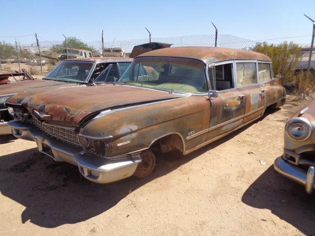 1960 Miller-Meteor Cadillac Hearse/Ambulance (Ecto-1 Car