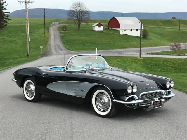 1961 Chevrolet Corvette Super Rare Tuxedo Black/Blue *NCRS Top Flight*