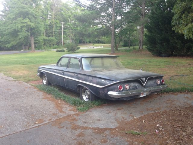 1961 Chevrolet Bel Air/150/210 Base 4-Door Sedan