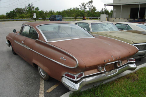 1961 Dodge PHOENIX 2 DOOR HARDTOP COUPE