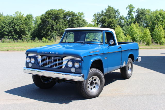 1961 Dodge Power Wagon W100