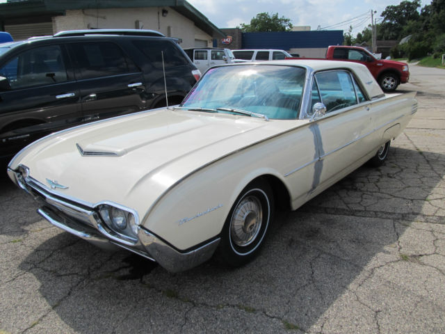 1961 Ford Thunderbird Coupe