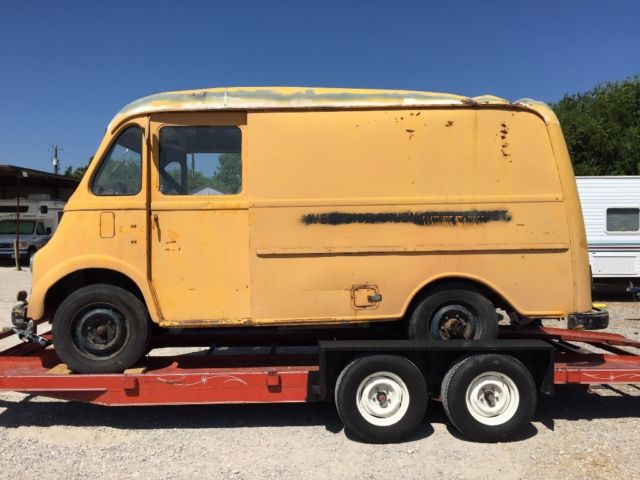 1961 International Harvester Metro Van Vintage Milk Bread