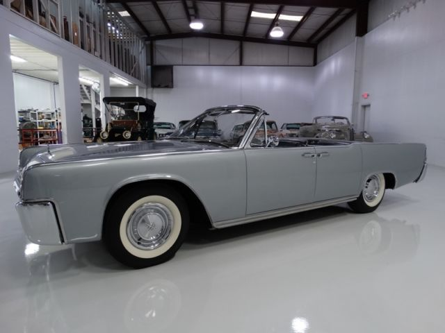 1961 Lincoln Continental Convertible, LOW MILES !!! STUNNING!!