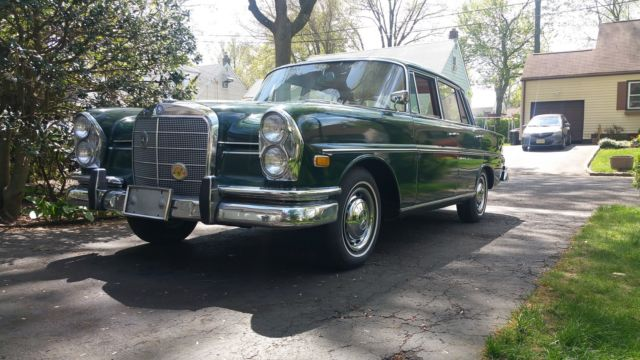 1961 Mercedes-Benz 200-Series 220se