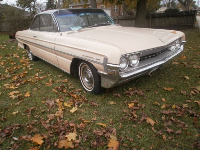 1961 Oldsmobile Eighty-Eight super 88 holiday coupe