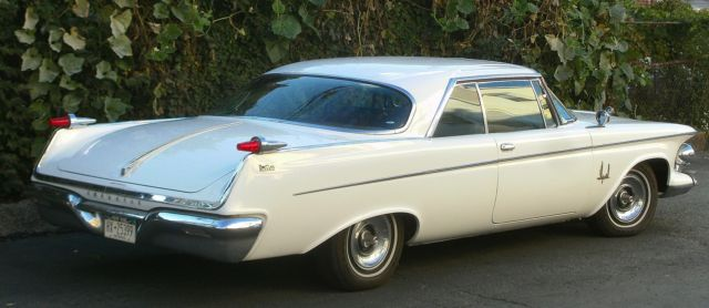 1962 Chrysler Imperial 2-Door Southampton Crown Coupe