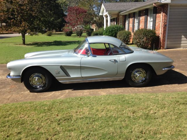 19620000 Chevrolet Corvette Hardtop ONE OWNER