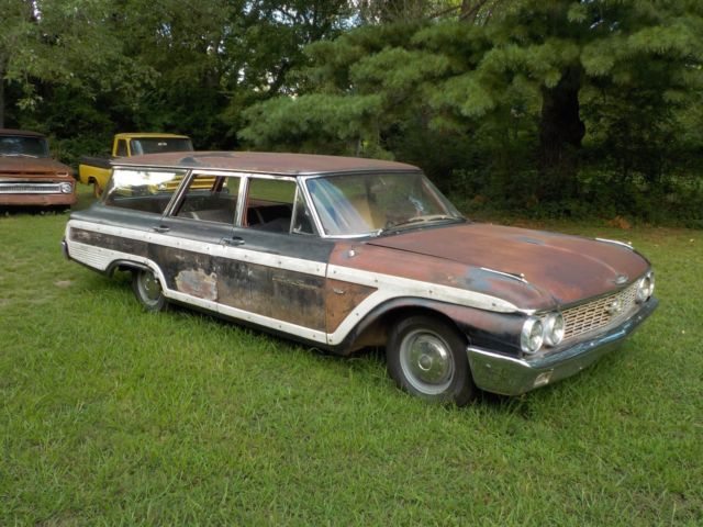 1962 Ford Galaxie Country Squire wagon