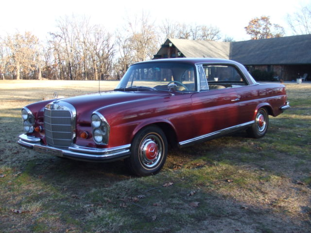 1962 Mercedes-Benz 200-Series coupe