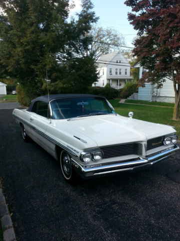1962 White Pontiac Bonneville Convertible with Black interior