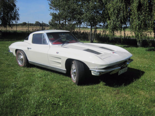 1963 Chevrolet Corvette Coupe Sting Ray Split Window